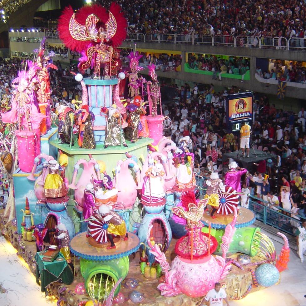 Rio Karnavalı gecit töreni