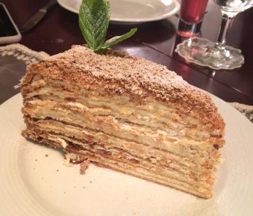 medovik-rus-pastasi-ayaspasa-rus-lokantasi-beyaz-ruslar-istanbul-turkiye