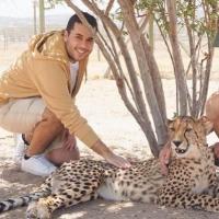 Cheetah Outreach'de çitaları sevmek! (Cape Town)