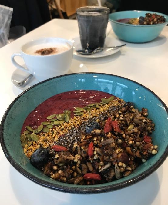 açai bowl at jusu brothers london