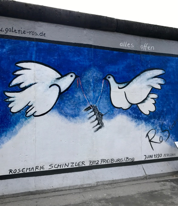 East Side Gallery Berlin (2)